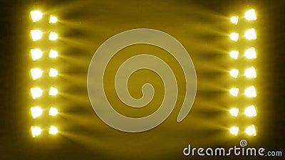 Concert_stage_light_search с частицами (идеальными для зажимов музыки предпосылки) видеоматериал