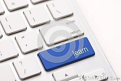 Concetto di e-learning. Tastiera di computer