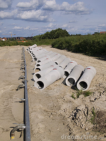 Free Concrete Sewer Pipes Royalty Free Stock Photos - 11026758