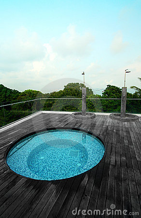 Condo roof top jacuzzi pool