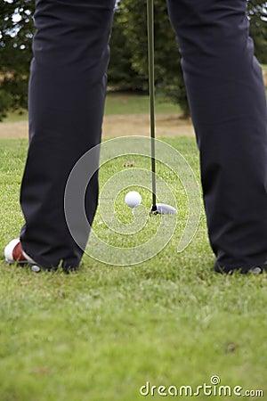 Conduzindo a esfera de golfe 01