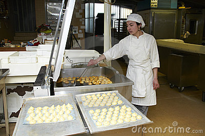 Confectionery working