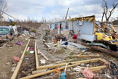 Conséquence de tornade dans Henryville, Indiana
