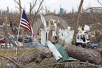 Consecuencias en Henryville, Indiana del tornado Imagen editorial