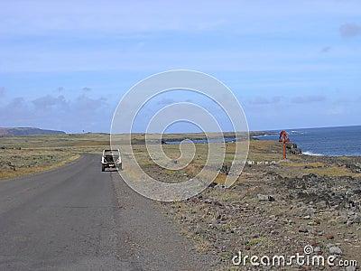 Console de Easter - interior e maneira ao vulcão de Rano Raraku