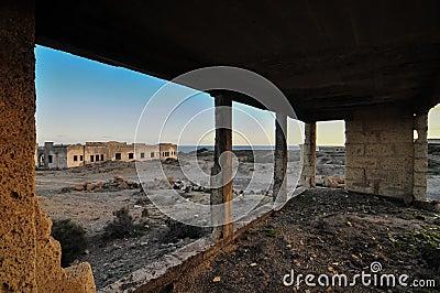 Construções abandonadas