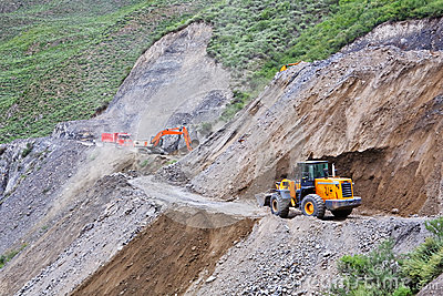 Constructing/fixing the mountain road
