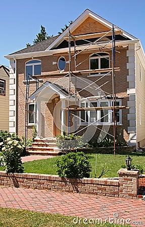 Construction à la maison neuve