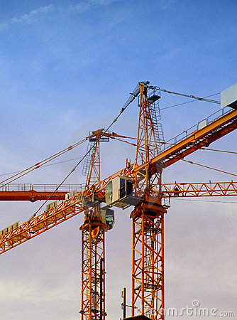 Free Construction Cranes 02 Royalty Free Stock Photography - 5895557