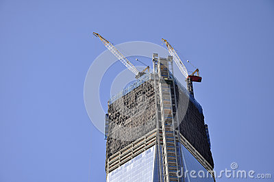 Construction de gratte ciel photo libre de droits image 27388205 - Construction gratte ciel ...