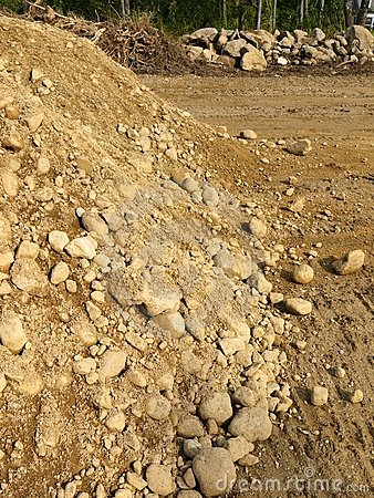Construction: earth pile and excavated rocks