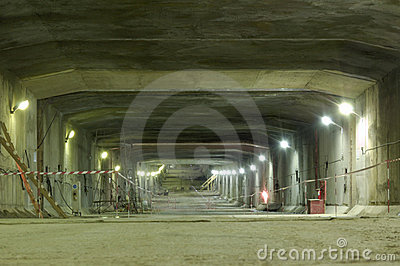 Construction of underground tunnel