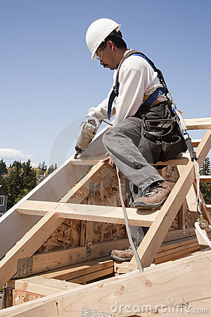Free Construction Worker At Work Stock Photo - 12991930