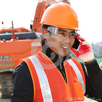 Construction worker communication with mobile phone