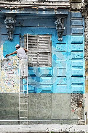 Free Construction Worker Renovates Facade Of Old Colonial Building In Havana Vieja, Cuba Stock Photo - 52326670