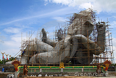 Constructions the biggest statue of Ganesha