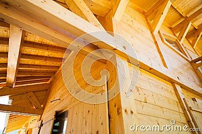 Construção da casa de madeira