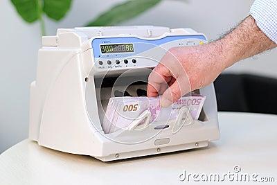 Contador eletrônico da moeda - 500 euro- notas de banco