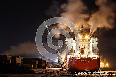 Container ship Zapolyarnyy