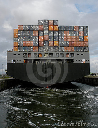Containerschiffsverlassen
