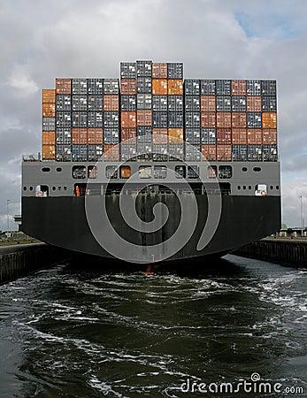 Containership het weggaan