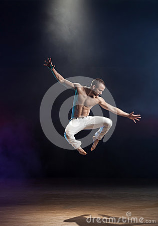 Free Contemporary Dance Royalty Free Stock Photo - 43884315