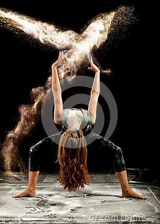Free Contemporary Dance Flour Jump Stock Image - 61003171