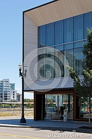 Free Contemporary Street Corner Exterior Building Stock Photos - 14922993