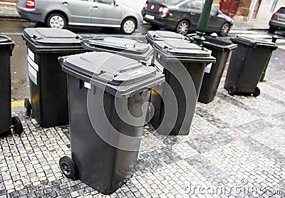 Conteneurs de poubelles d ordures de ville