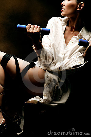Contorted lady with barbells
