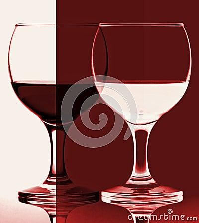 contraste en verre de vin rouge et blanc photo stock image 23583640. Black Bedroom Furniture Sets. Home Design Ideas