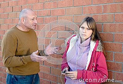 Conversación del padre con el niño.