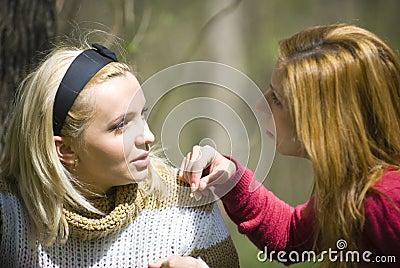 Conversazione delle ragazze