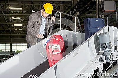 Conveyor belt check point