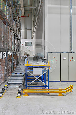 Conveyor in warehouse