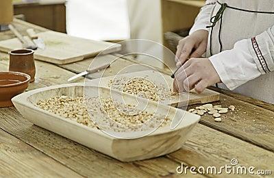Cook cutting