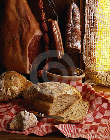 Cooked pork meats and bread