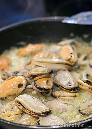 Cooking oysters
