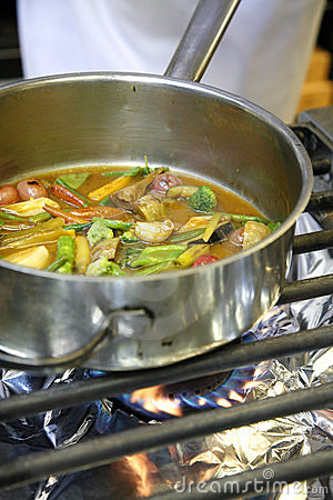 Cooking vegetables on a gaz cooker