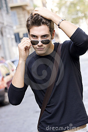 Free Cool Fashion Model Man Plain T-shirt Sunglasses Stock Image - 8594031
