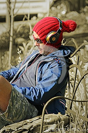 Free Cool Music Man Wearing Headphones Royalty Free Stock Photography - 108402027