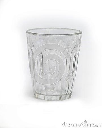 Copo de vidro isolado no branco