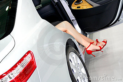 Coquette s feets in the car