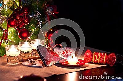 corazones-decoraciones-y-luces-de-la-navidad-47354582.jpg
