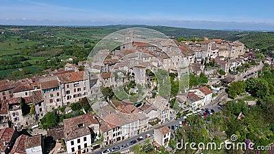 Cordes-sur-Ciel, деревня в холме Occitanie, южной Франции акции видеоматериалы