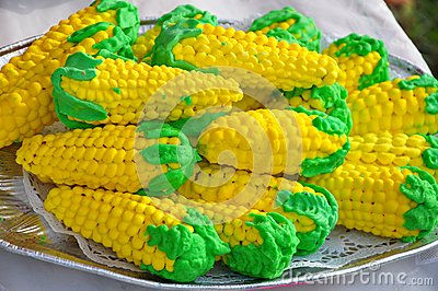 Corn shaped biscuits