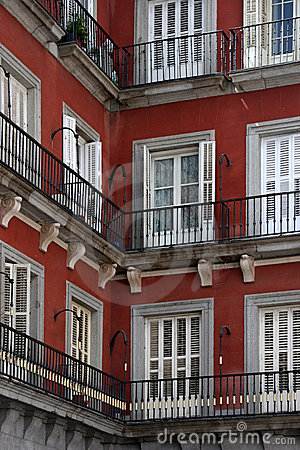 Corner house in madrid