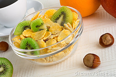 Cornflakes with fresh fruit