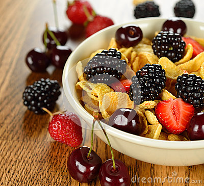 Cornflakes with fruits