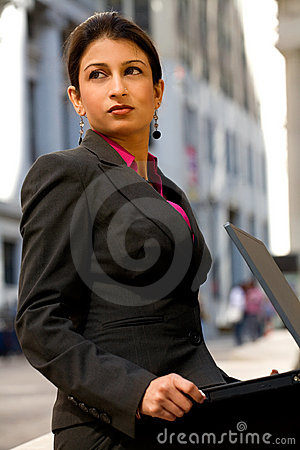 Free Corporate Indian Woman Royalty Free Stock Images - 3271069